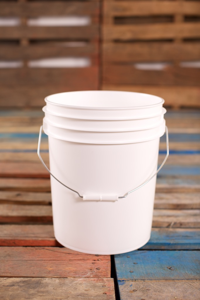 Plastic Pail 76 Litres 2 Gallons Metal Handle White Round